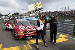 Grid girl of Stephan Rupp, Alfa Romeo 155 TI V6 ITC
