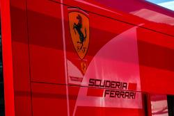 Лого Ferrari