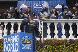 Ganador de la carrera Christopher Bell, Kyle Busch Motorsports Toyota