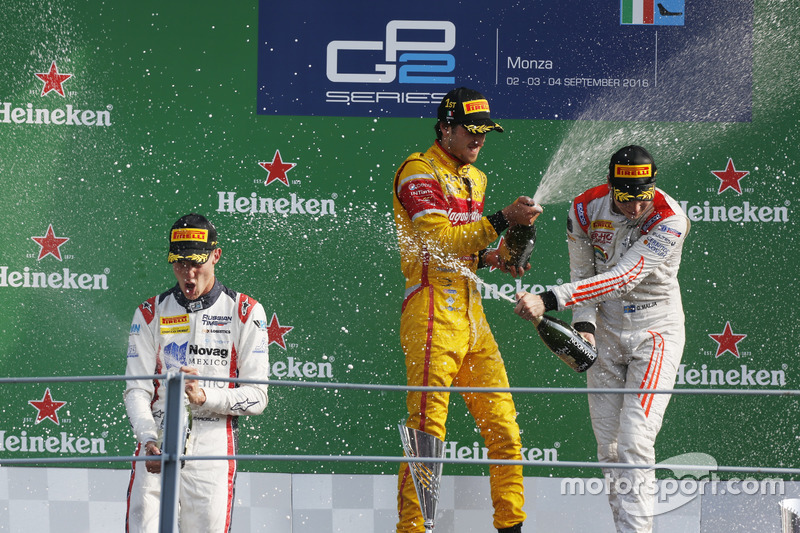 Podyum: Antonio Giovinazzi, PREMA Racing Raffaele Marciello, RUSSIAN TIME ve Gustav Malja, Rapax