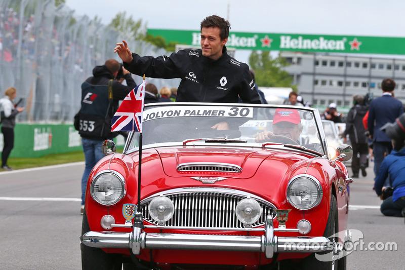 Джоліон Палмер, Renault Sport F1 Team на параді пілотів