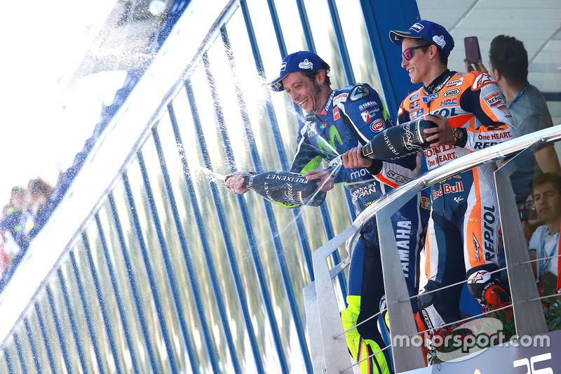 Podium: Ganador, Valentino Rossi, Yamaha Factory Racing, tercero, Marc Márquez, Repsol Honda Team