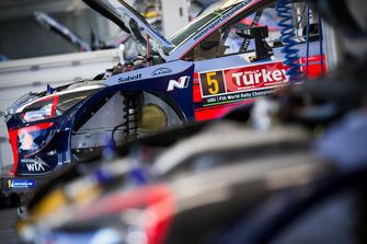 Car of Thierry Neuville, Nicolas Gilsoul, Hyundai Motorsport Hyundai i20 Coupe WRC