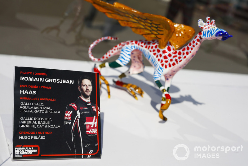 Статуетка Ромена Грожана, Haas F1 Team