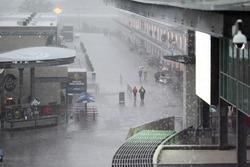 La pioggia si abbatte sull'Indianapolis Motor Speedway