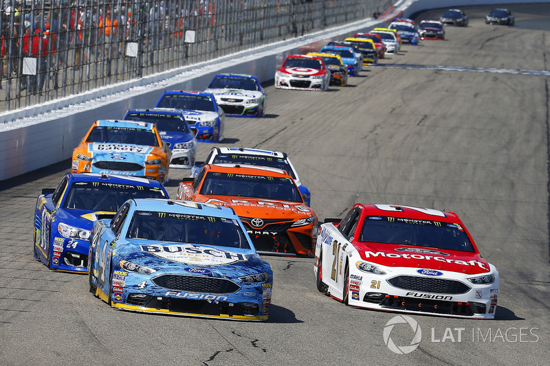Ryan Blaney, Wood Brothers Racing Ford, Kevin Harvick, Stewart-Haas Racing Ford
