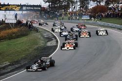 Mario Andretti Lotus 78 Ford leads James Hunt McLaren M26 Ford, Gunnar Nilsson Lotus 78 Ford, Jochen