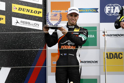 Rookie-Podium: 2. Joey Mawson, Van Amersfoort Racing, Dallara F317 - Mercedes-Benz