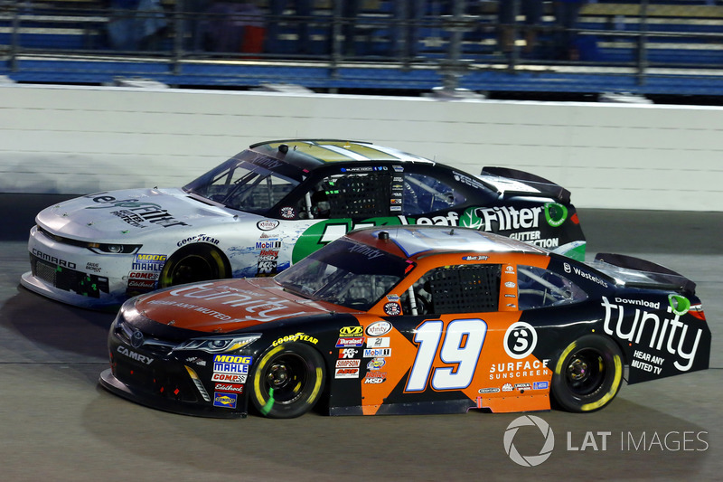 Matt Tifft, Joe Gibbs Racing Toyota, Blake Koch, Kaulig Racing Chevrolet