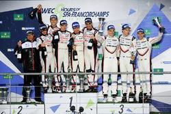 Podium LMP1 : les vainqueurs Anthony Davidson, Sébastien Buemi, Kazuki Nakajima, Toyota Gazoo Racing, les deuxièmes, Mike Conway, Kamui Kobayashi, Toyota Gazoo Racing, les troisièmes, Timo Bernhard, Earl Bamber, Brendon Hartley, Porsche Team