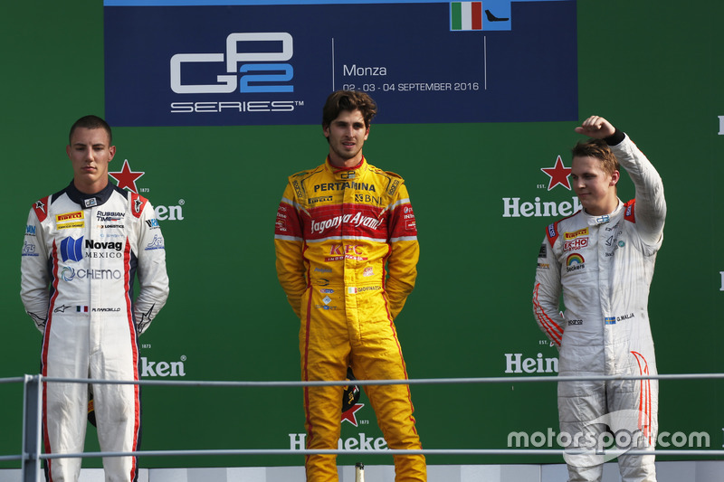 Podio: Antonio Giovinazzi, PREMA Racing Raffaele Marciello, RUSSIAN TIME e Gustav Malja, Rapax