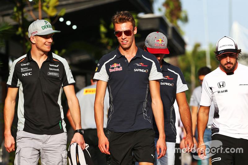 Nico Hülkenberg, Sahara Force India F1; Daniil Kvyat, Scuderia Toro Rosso