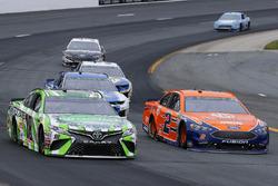 Kyle Busch, Joe Gibbs Racing, Toyota Camry Interstate Batteries and Brad Keselowski, Team Penske, Ford Fusion Autotrader
