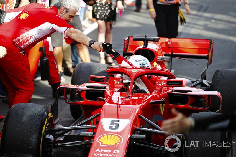 Феттель победил – значит Ferrari все-таки быстрее Mercedes?