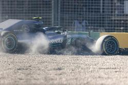Valtteri Bottas, Mercedes AMG F1 W09,  sort de piste