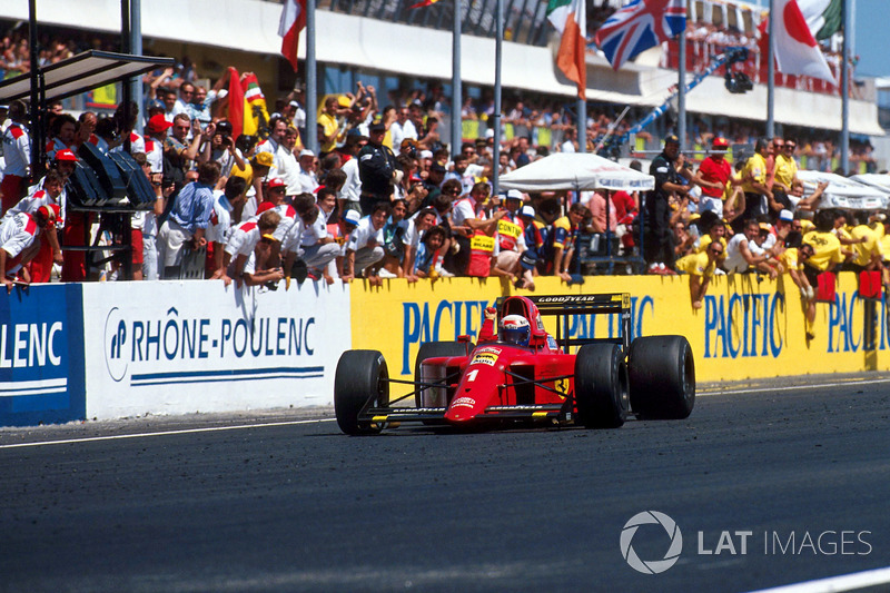 Race winner Alain Prost, Ferrari 641