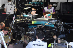 Mercedes AMG F1 team working on Lewis Hamilton's car