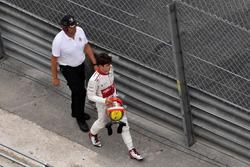 Race retiree Charles Leclerc, Sauber walks in