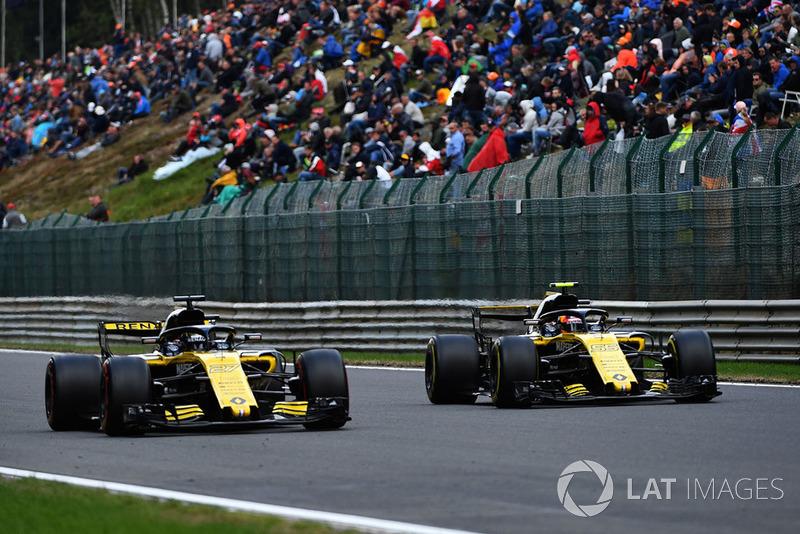 Nico Hulkenberg, Renault Sport F1 Team R.S. 18 y Carlos Sainz Jr., Renault Sport F1 Team R.S. 18