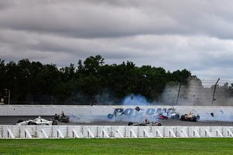 Crash : Robert Wickens, Schmidt Peterson Motorsports Honda, James Hinchcliffe, Schmidt Peterson Motorsports Honda, Ryan Hunter-Reay, Andretti Autosport Honda, Pietro Fittipaldi, Dale Coyne Racing Honda