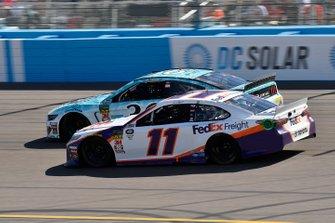 Denny Hamlin, Joe Gibbs Racing, Toyota Camry FedEx Freight, Matt Tifft, Front Row Motorsports, Ford Mustang Surface Sunscreen / Tunity
