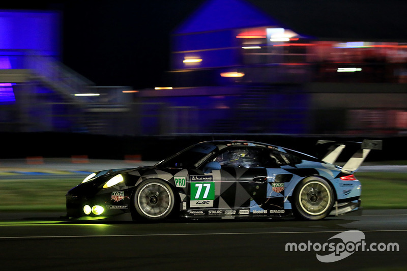 39: #77 Dempsey Proton Competition Porsche 911 RSR: Richard Lietz, Michael Christensen, Philipp Eng