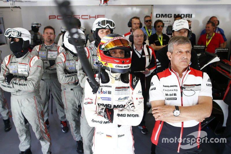 Timo Bernhard, Fritz Enzinger, Vice President LMP1, Porsche Team