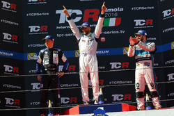Podium: second place Mato Homola, B3 Racing Team Hungary, SEAT León TCR; Winner Mikhail Grachev, West Coast Racing, Honda Civic TCR; third place Stefano Comini, Leopard Racing, Volkswagen Golf GTI TCR