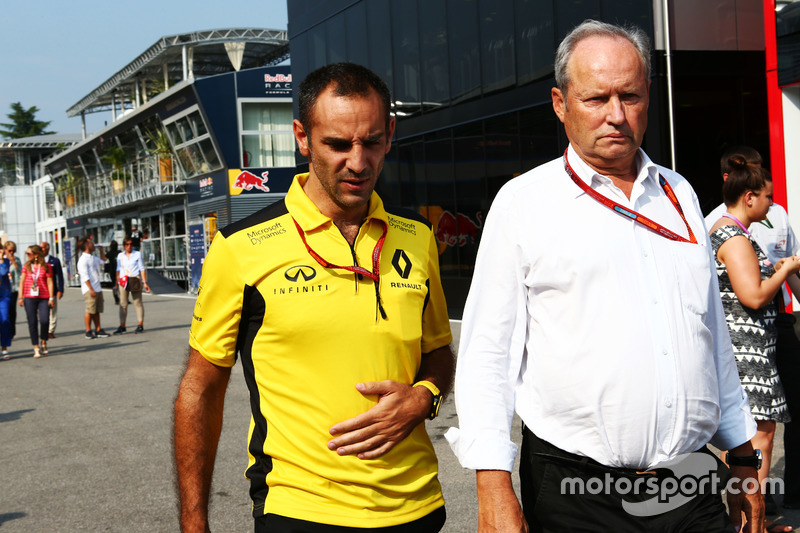 (L to R): Cyril Abiteboul, Renault Sport F1 Managing Director with Jerome Stoll, Renault Sport F1 Pr