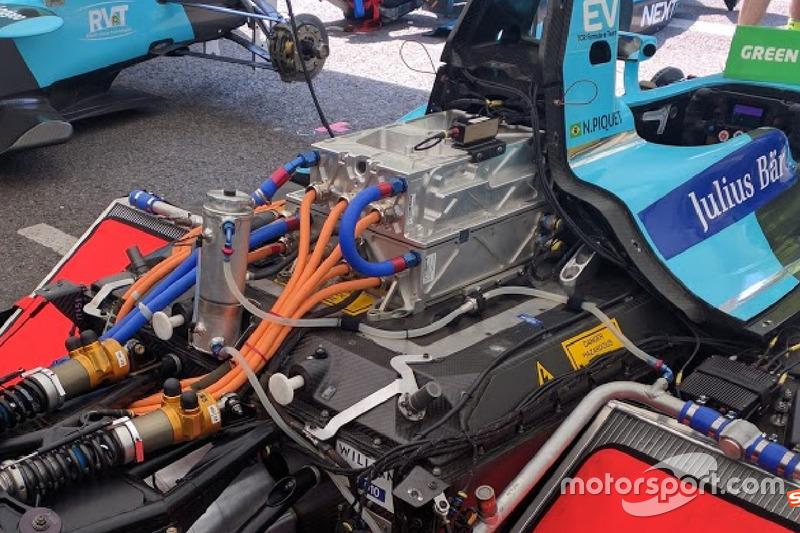 Next EV TCR 赛车所搭载的电池及逆变器