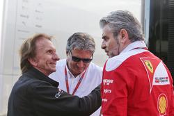 Эмерсон Фиттипальди и Паскаль Латтунедду, FOM и Маурицио Арривабене, руководитель Ferrari