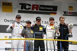 Podium: bester Junior Dominik Fugel, Team Honda ADAC Sachsen, Honda Civic TCR; 2. Benjamin Leuchter, Racing One VW Golf GTI TCR ; 1. Josh Files, Target Competition, SEAT Leon Cup Racer; Pascal Eberle, Steibel Motorsport, SEAT Leon Cup Racer