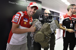 Michele Pirro, Ducati Team, Ducati V4, Präsentation Straßenmotor