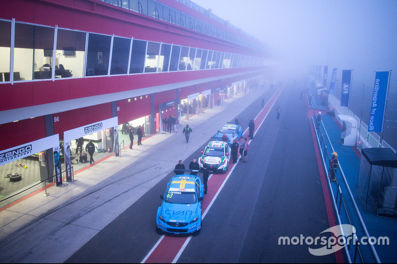 Nicky Catsburg, Polestar Cyan Racing, Volvo S60 Polestar en la niebla