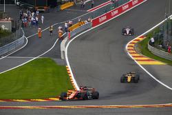 Fernando Alonso, McLaren MCL32, Nico Hulkenberg, Renault Sport F1 Team RS17, Esteban Ocon, Sahara Force India F1 VJM10