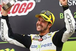 Le vainqueur de la course sur le podium : Thomas Luthi, CarXpert Interwetten