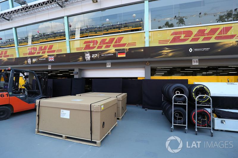 Renault Sport F1 Team: Garage