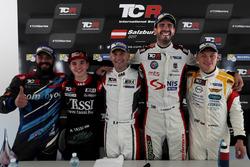 Пресс-конференция: Стефано Комини, Comtoyou Racing, Аттила Тасси, M1RA, Роберто Кольчиаго, M1RA, Душ