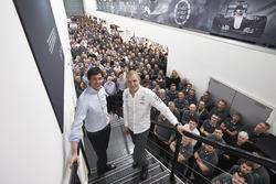 Валттери Боттас, Mercedes и Тото Вольф, совладелец и исполнительный директор Mercedes AMG F1