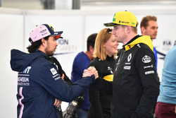 Sergio Perez, Force India and Nico Hulkenberg, Renault Sport F1 Team on the drivers parade