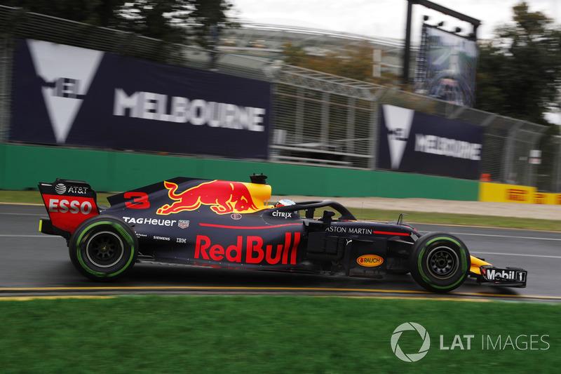 Daniel Ricciardo excedeu o limite de velocidade da pista durante bandeira vermelha e foi punido em três posições; larga em oitavo