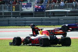 Daniel Ricciardo, Red Bull Racing RB13 valt uit