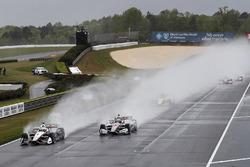 Start: Josef Newgarden, Team Penske Chevrolet leads in the wet