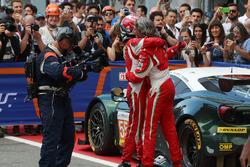 I vincitori GTE #55 Spirit of Race Ferrari F488 GTE: Duncan Cameron, Matthew Griffin, Aaron Scott