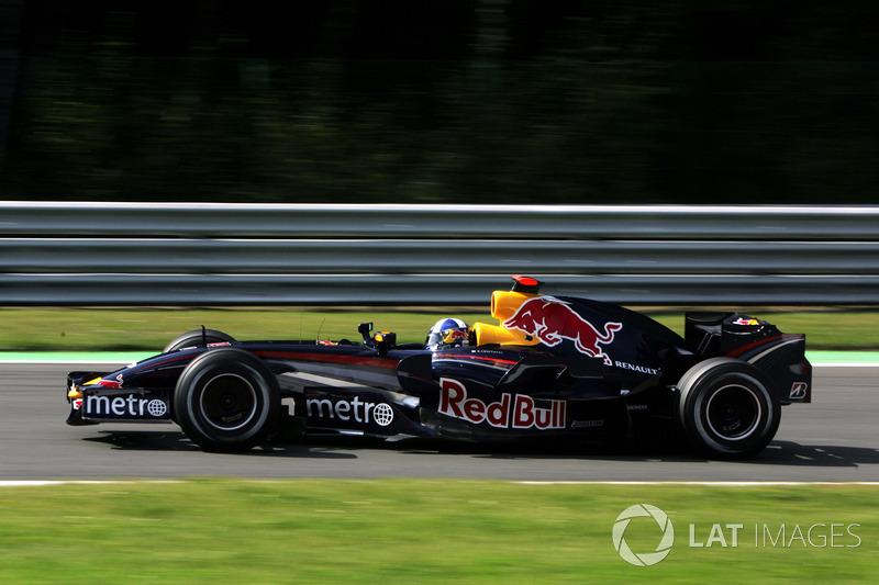 2007 : Red Bull RB3, à moteur Renault