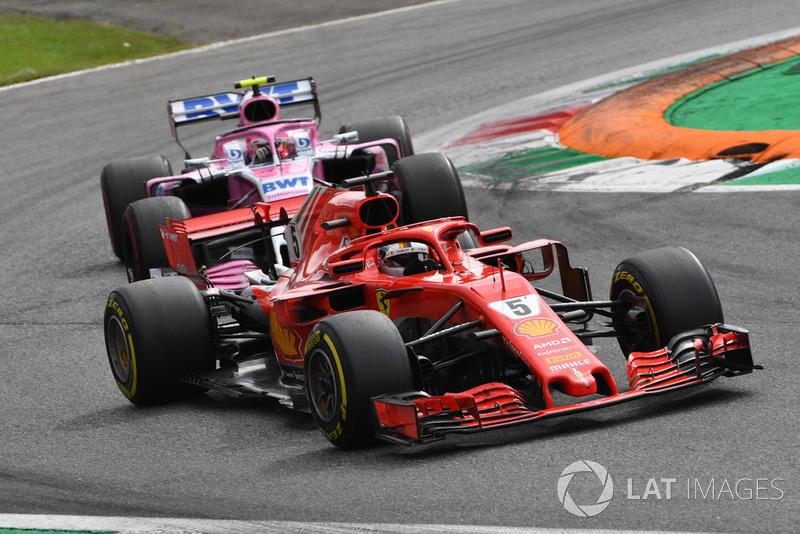 Sebastian Vettel, Ferrari SF71H y Esteban Ocon, Racing Point Force India VJM11