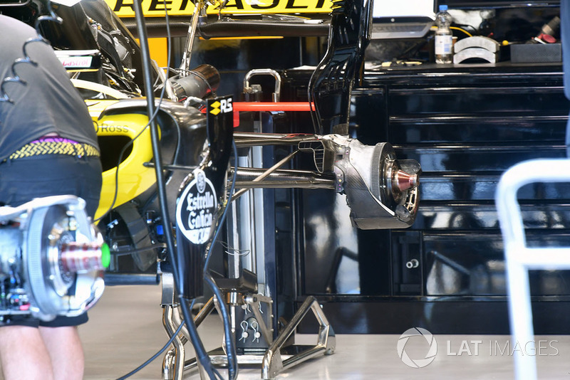 Renault Sport F1 Team R.S. 18 achterwielophanging