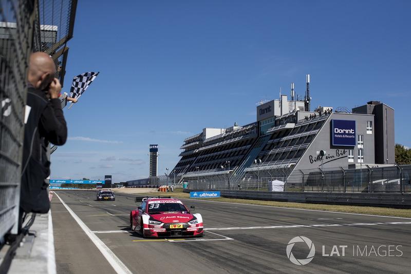 Checkered flag for René Rast, Audi Sport Team Rosberg, Audi RS 5 DTM