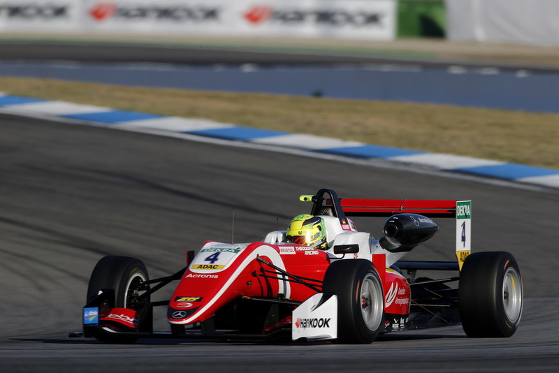 2017: El cambio a la Fórmula 3