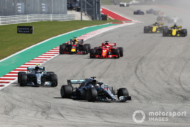 Lewis Hamilton, Mercedes AMG F1 W09 EQ Power+, Valtteri Bottas, Mercedes AMG F1 W09 EQ Power+, Sebastian Vettel, Ferrari SF71H y Daniel Ricciardo, Red Bull Racing RB14